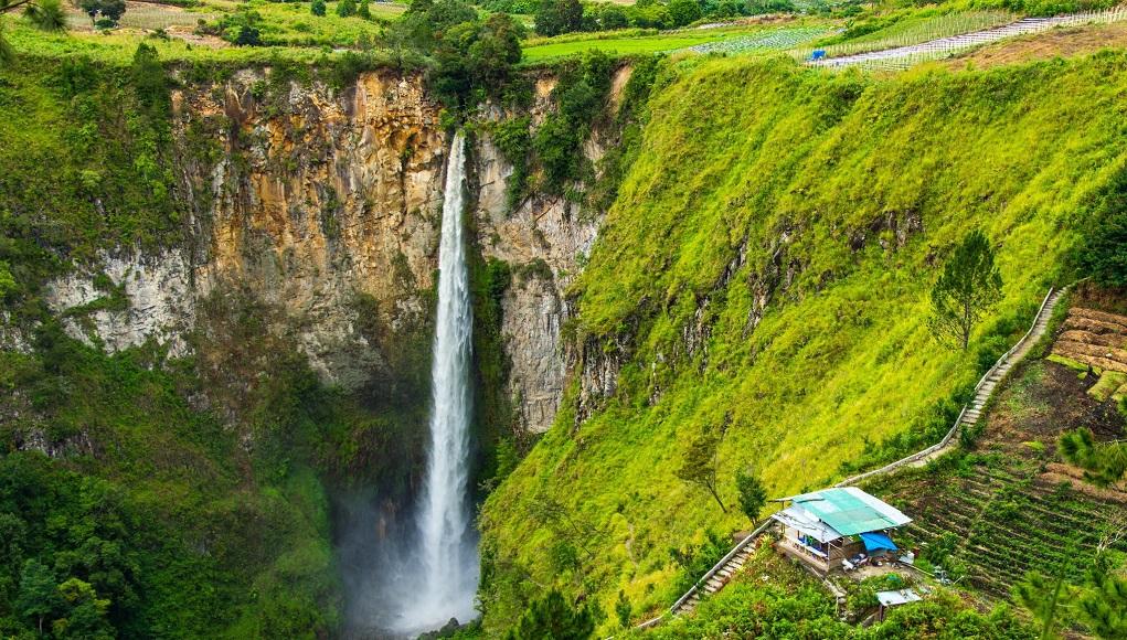 5 Destinasi Wisata Favorit Yang Paling Sering Dikunjungi di Kota Medan 4