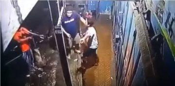 Viral, Video Polisi Todong Pemuda Yang di Paksa Membawa Narkoba 1