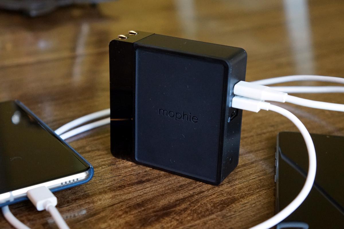 5 Aksesoris iPhone 11 Untuk Melengkapi Ponselmu Biar Makin Kece 5
