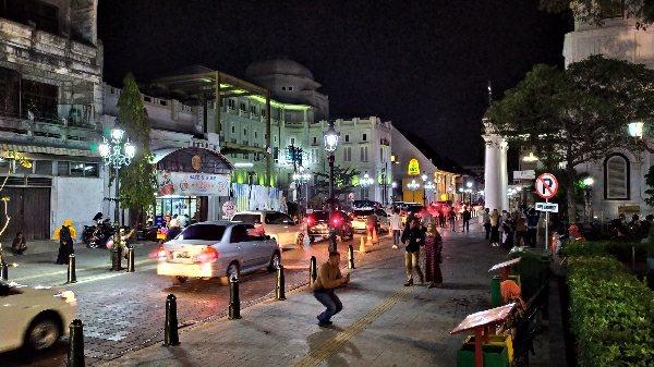 5 Wisata Malam Yang Wajib Kamu Kunjungi di Semarang, Hanya Ada di Indonesia 5