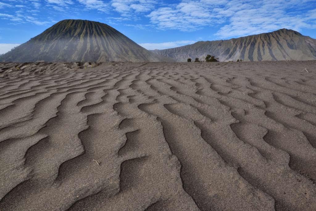 5 Wisata Padang Pasir Terkenal Yang Ada di Indonesia 6