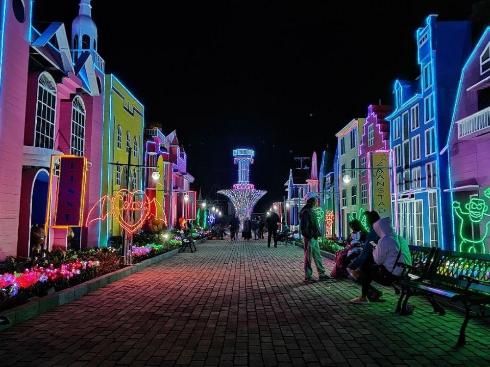 5 Wisata Malam Yang Wajib Kamu Kunjungi di Semarang, Hanya Ada di Indonesia 6