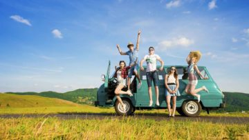5 Alasan Traveling Bersama Teman Lebih Seru dan Menyenangkan Dibanding Sendirian 11