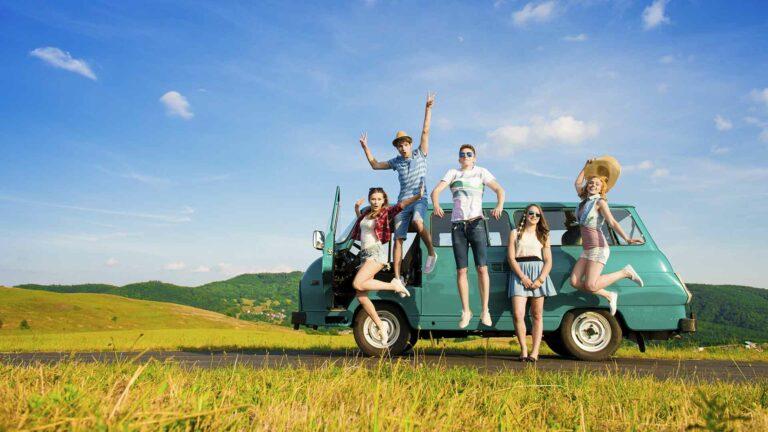 5 Alasan Traveling Bersama Teman Lebih Seru dan Menyenangkan Dibanding Sendirian 1