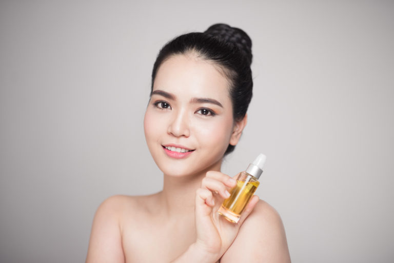 5 Face Oil Yang Bagus Untuk Kulit Berjerawat 1