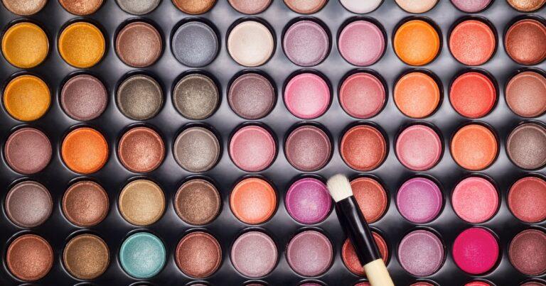 5 Rekomendasi Eyeshadow Palette Dengan Harga Terjangkau 1