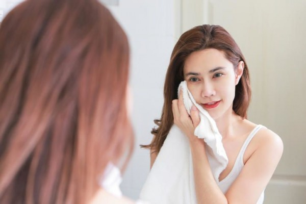 5 Tips Membersihkan Wajah Yang Benar, Tidak Asal - Asalan ya 7