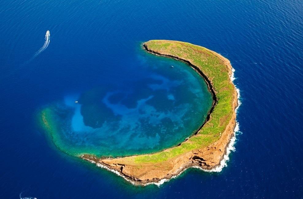 10 Pulau Dengan Bentuk Paling Unik di Dunia, Indonesia Salah Satunya ! 10