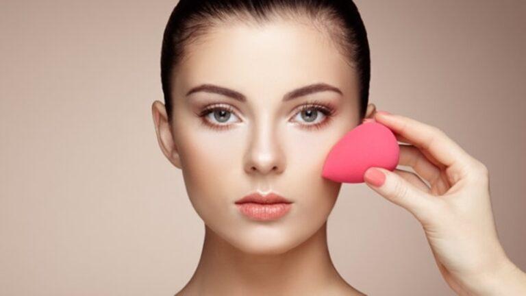 5 Kesalahan Saat Pakai Beauty Blender, Para Wanita Harus Tahu ! 1