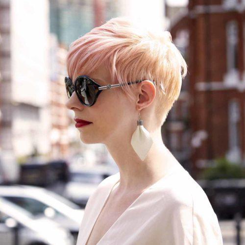 5 Model Rambut Rambut Pendek Wanita Yang Tambah Bikin Kamu Semakin Percaya Diri 6