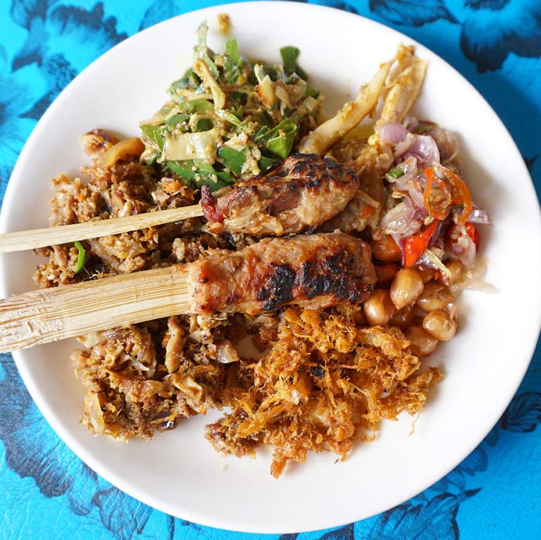 5 Makanan Khas Bali Yang Bikin Nagih dan Tidak Boleh Kamu Lewatkan 7