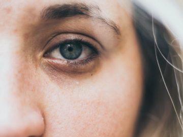 Cara Menghilangkan Kantung Mata 16