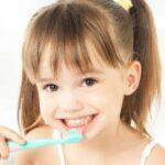 5 Tips Mengajari Anak Sikat Gigi Sejak Dini, Para Orang Tua Wajib Coba ya ! 1