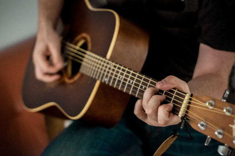Belajar Gitar Lengkap : Cord, Kunci Dasar Gitar dan Tipsnya 1