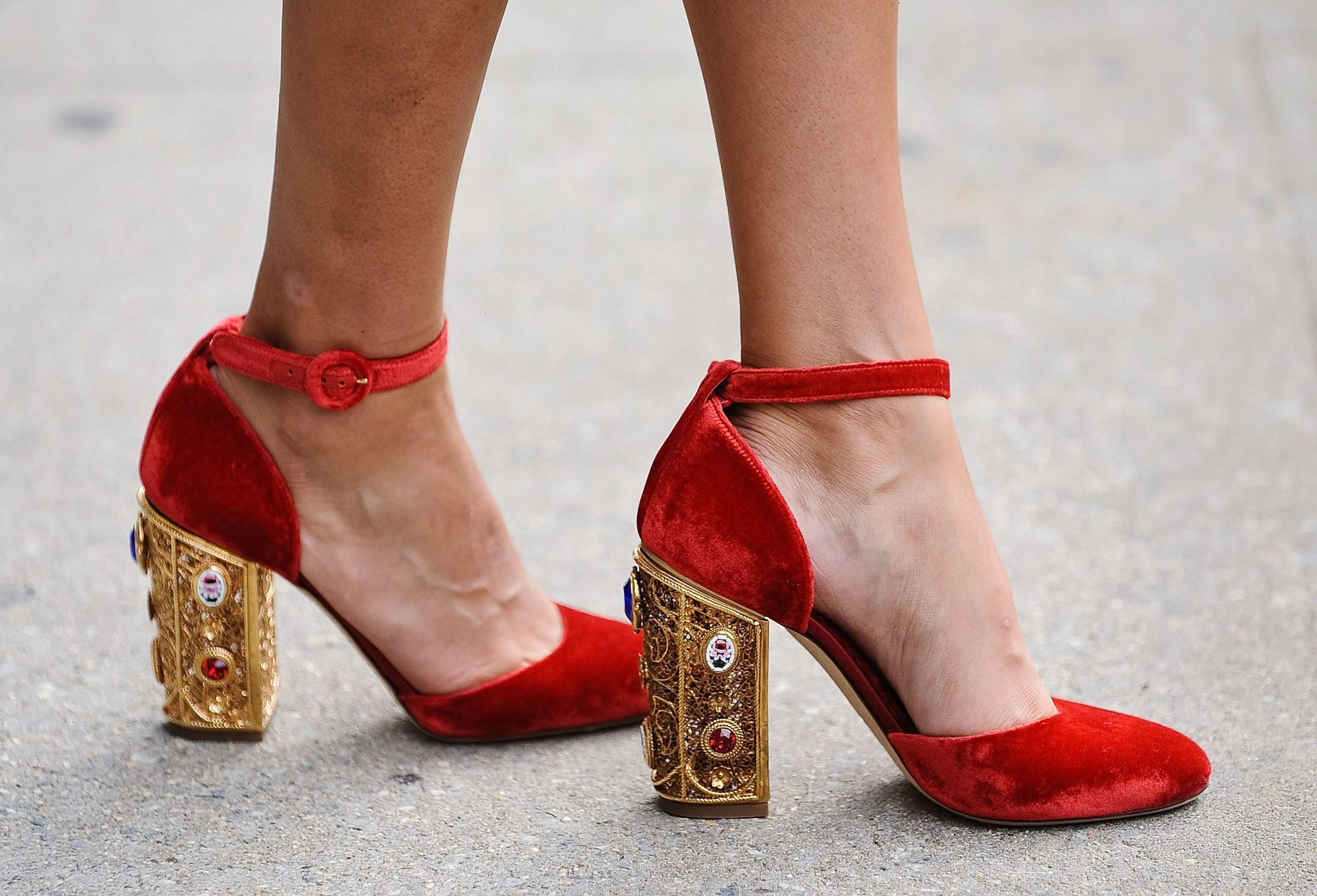 5 Sepatu Kekinian Yang Paling Banyak di Cari Wanita, Yuk Kamu Jangan Sampai Ketinggalan 4