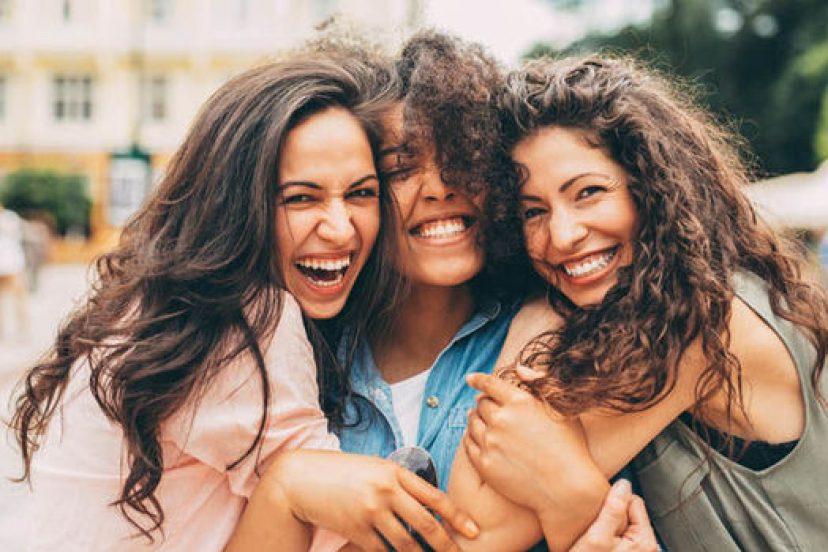 5 Perbedaan Antara Teman & Sahabat, Sudah Tahukah Kamu ? 4