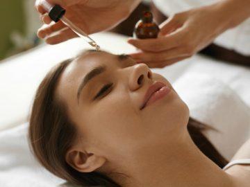 5 Manfaat Face Oil Untuk Masalah Kulit Yang Berminyak dan Berjerawat 7