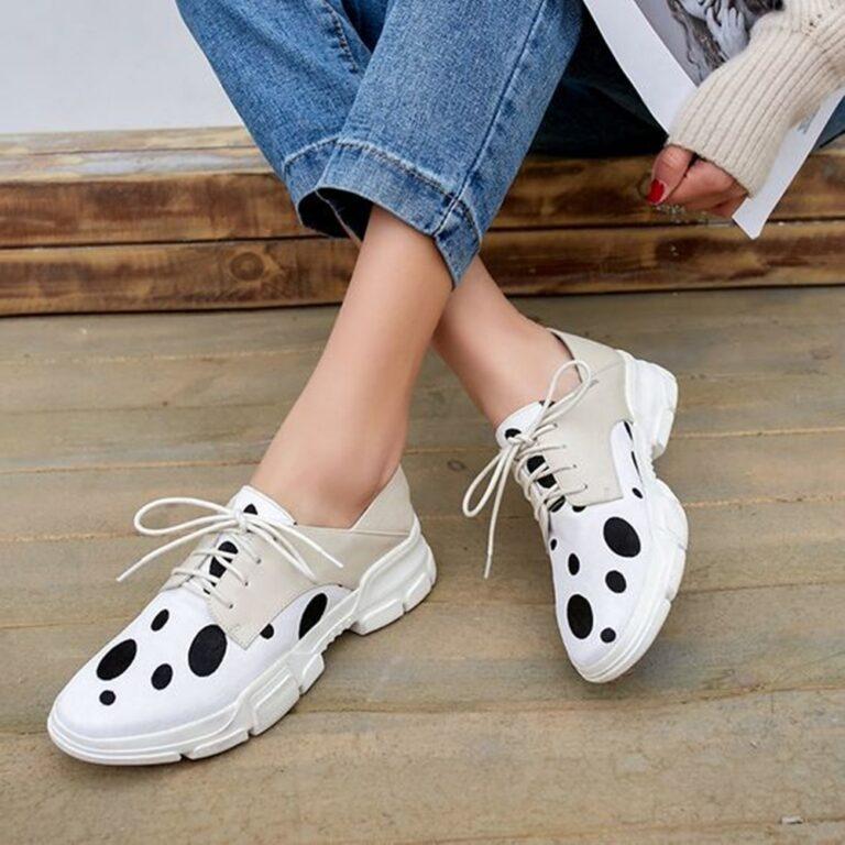 5 Sepatu Kekinian Yang Paling Banyak di Cari Wanita, Yuk Kamu Jangan Sampai Ketinggalan 1