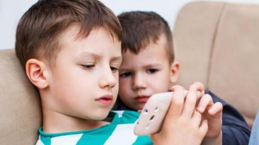 Bahaya, Inilah Pengaruh Buruk Jika Anak Sering Bermain Gadget 5
