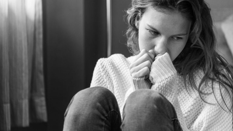 Hindia, Terapi dan Depresi 1