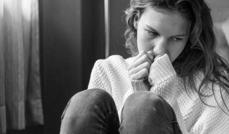 Hindia, Terapi dan Depresi