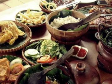 6 Tempat Wisata Kuliner di Bandung yang Menyuguhkan Makanan dengan Sensasi Rasa Luar Biasa 16