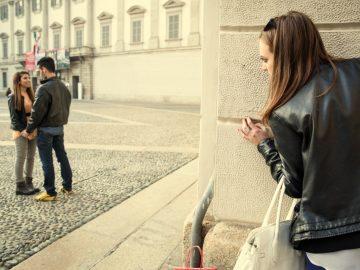 5 Cara Melupakan Orang Yang Diam - diam Kamu Cintai, Hidup Harus Melangkah Maju ke Depan 13