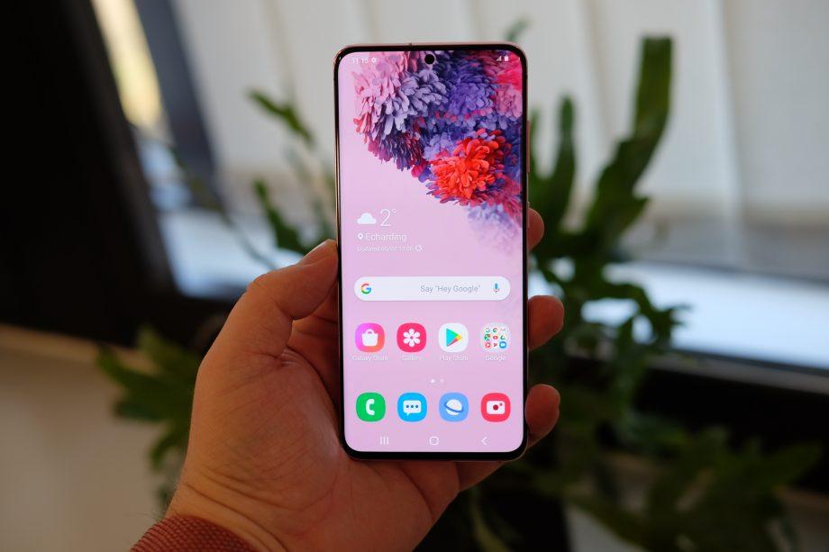 5 Smartphone Terbaru Samsung 2020 Yang Memiliki Tampilan Display Infinity-O 5