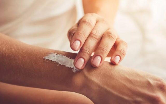 5 Tips Hindari Kulit Kering dan Pecah - pecah Akibat Terlalu Sering Mencuci Tangan 5