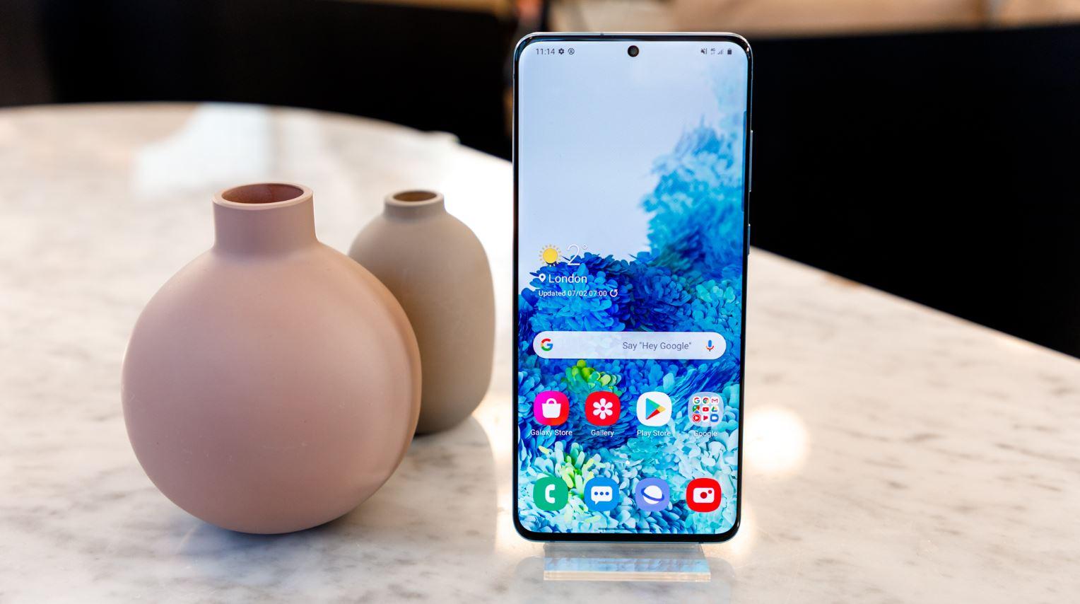 5 Smartphone Terbaru Samsung 2020 Yang Memiliki Tampilan Display Infinity-O 6