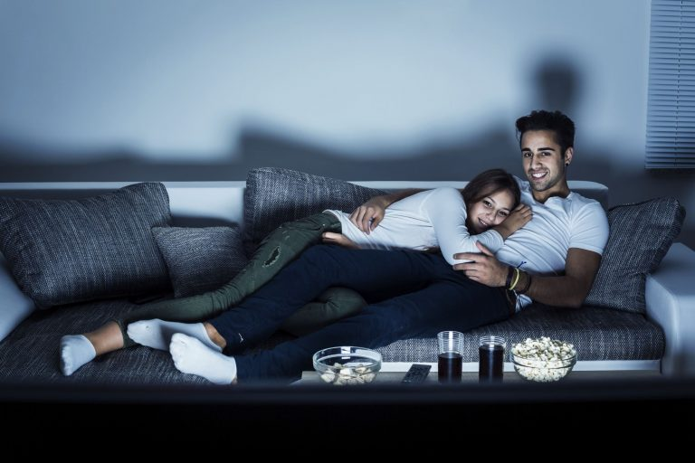4 Film Netflix Dengan Adegan Seks yang Bikin Bergairah! 1