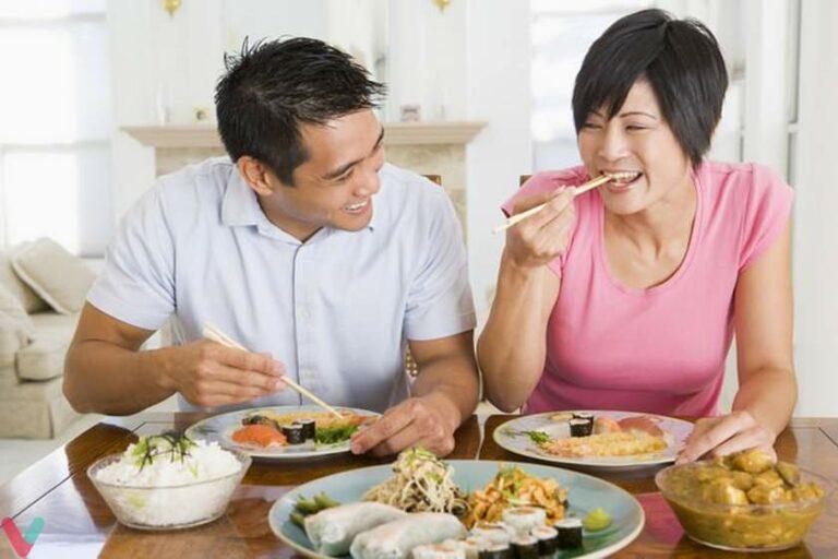 Perlu Tahu Nih, 9 Etika Makan Aneh dari Seluruh Dunia! 1