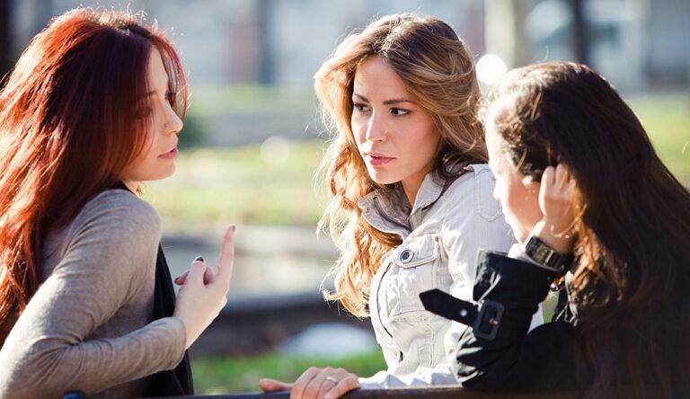 5 Kebiasaan Yang Tanpa Disadari Bisa Membuat Kamu Dinilai Sombong Sama Teman 1