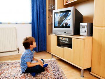 Jangan Sampai Salah, Lakukan Hal Ini Saat Anak Ingin Menonton TV 9