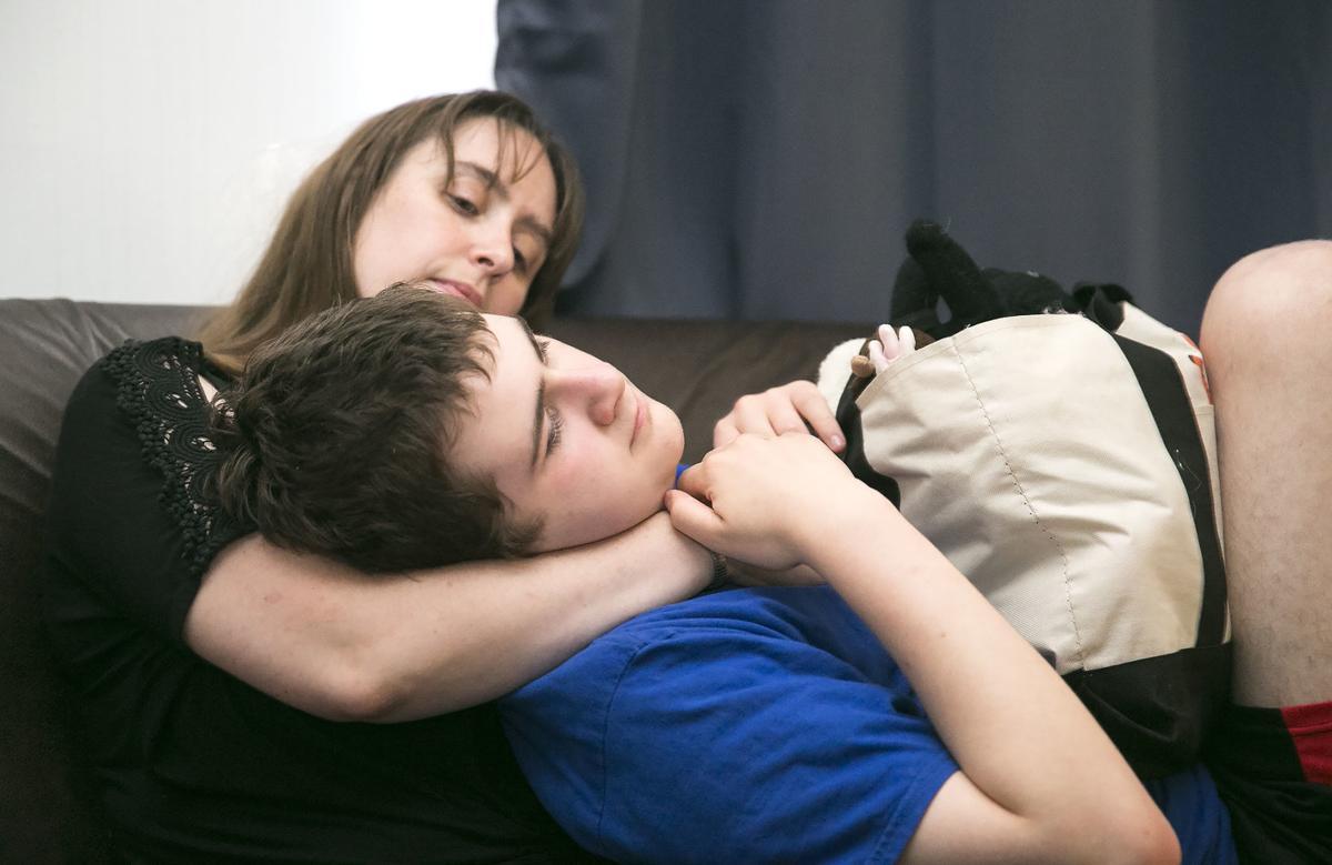 4 Kelebihan Cewek Sensitif Dalam Dunia Percintaan! 4