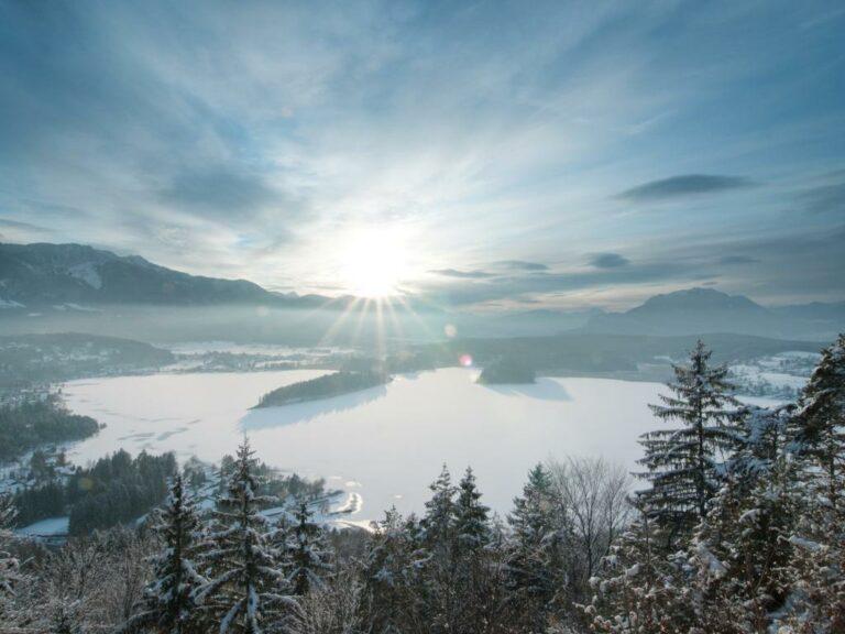 12 Danau Terindah Ini Patut Kamu Kunjungi di Austria 1