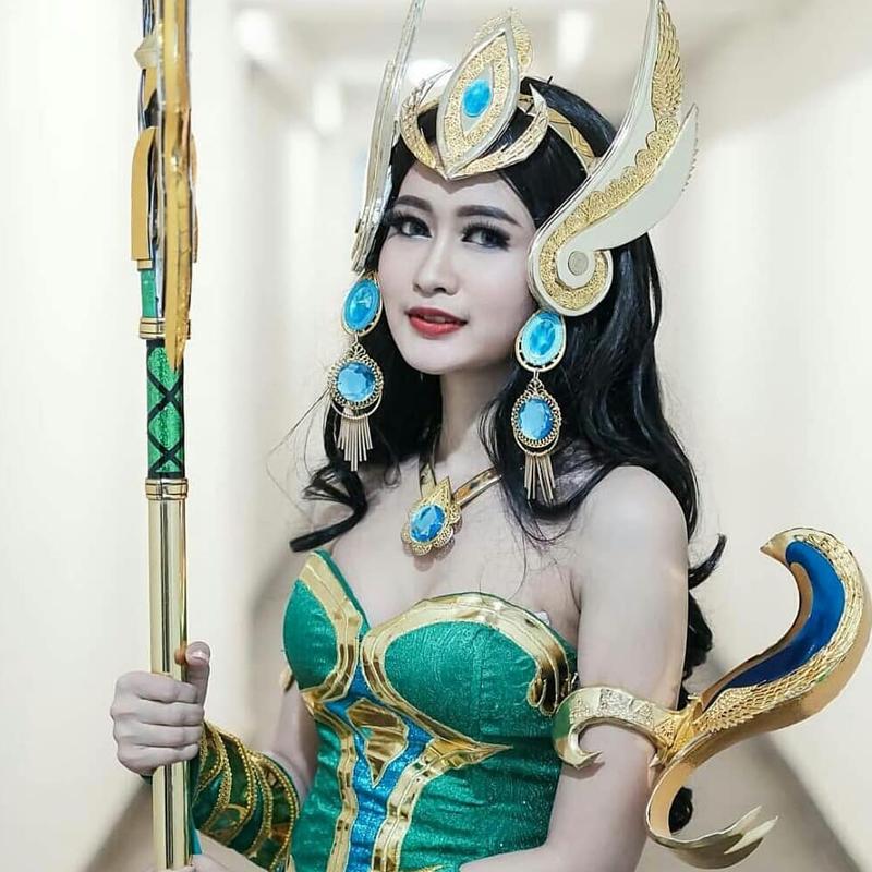 Potret 7 Gadis Cosplayer Indonesia yang Menawan nan Seksi 17