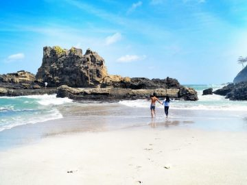 7 Pantai Eksotis di Cilacap yang Wajib Kamu Kunjungi 14