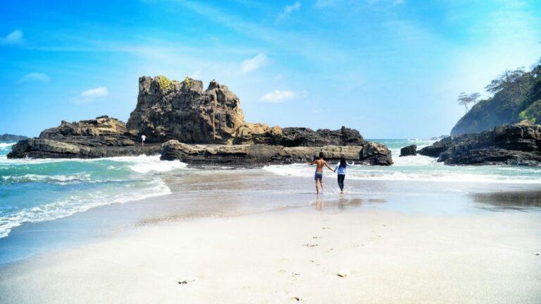 7 Pantai Eksotis di Cilacap yang Wajib Kamu Kunjungi 1