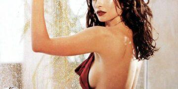 4 Artis Seksi Hollywood di Era 90an 28