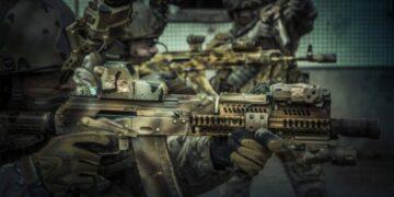 Hal Salah Tentang Senjata Api Yang Sering Muncul di Film 21