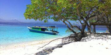 7 Pantai Cantik di Sulawesi Utara yang Mempesona 37