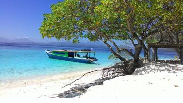 7 Pantai Cantik di Sulawesi Utara yang Mempesona 6