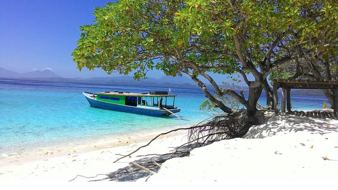 7 Pantai Cantik di Sulawesi Utara yang Mempesona 8