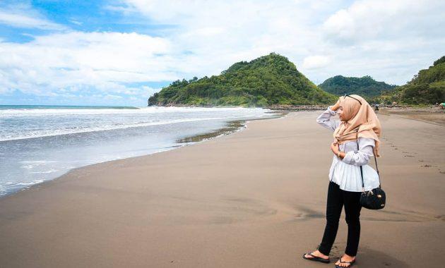 7 Pantai Terbaik di Kebumen untuk Bersantai Saat Liburan 3