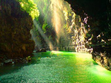 7 Destinasi Wisata Menarik di Ciamis, Ada Green Canyon Juga Lho! 23