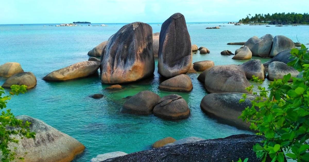 7 Pantai Indah di Kepulauan Riau yang Bikin Betah Basah-basahan 6