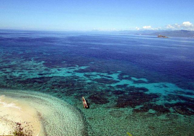 7 Pantai Cantik di Sulawesi Utara yang Mempesona 4