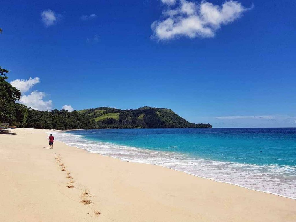 7 Pantai Cantik di Sulawesi Utara yang Mempesona 3