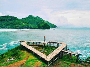 7 Pantai Terbaik di Kebumen untuk Bersantai Saat Liburan 13